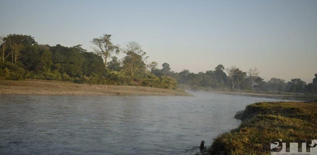 chilapata-buribasra-river-trail-mendabarii